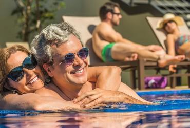 Chega de água fria! 5 motivos para ter uma piscina aquecida em dias quentes